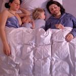 Co sleeping: dormire insieme fa bene. Ecco perché.